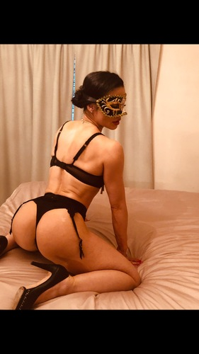 domina ava savage